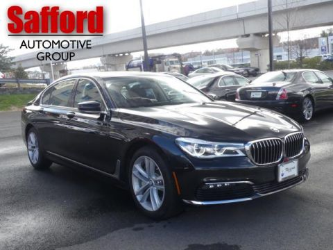 2017 BMW 7 Series 750i xDrive Sedan